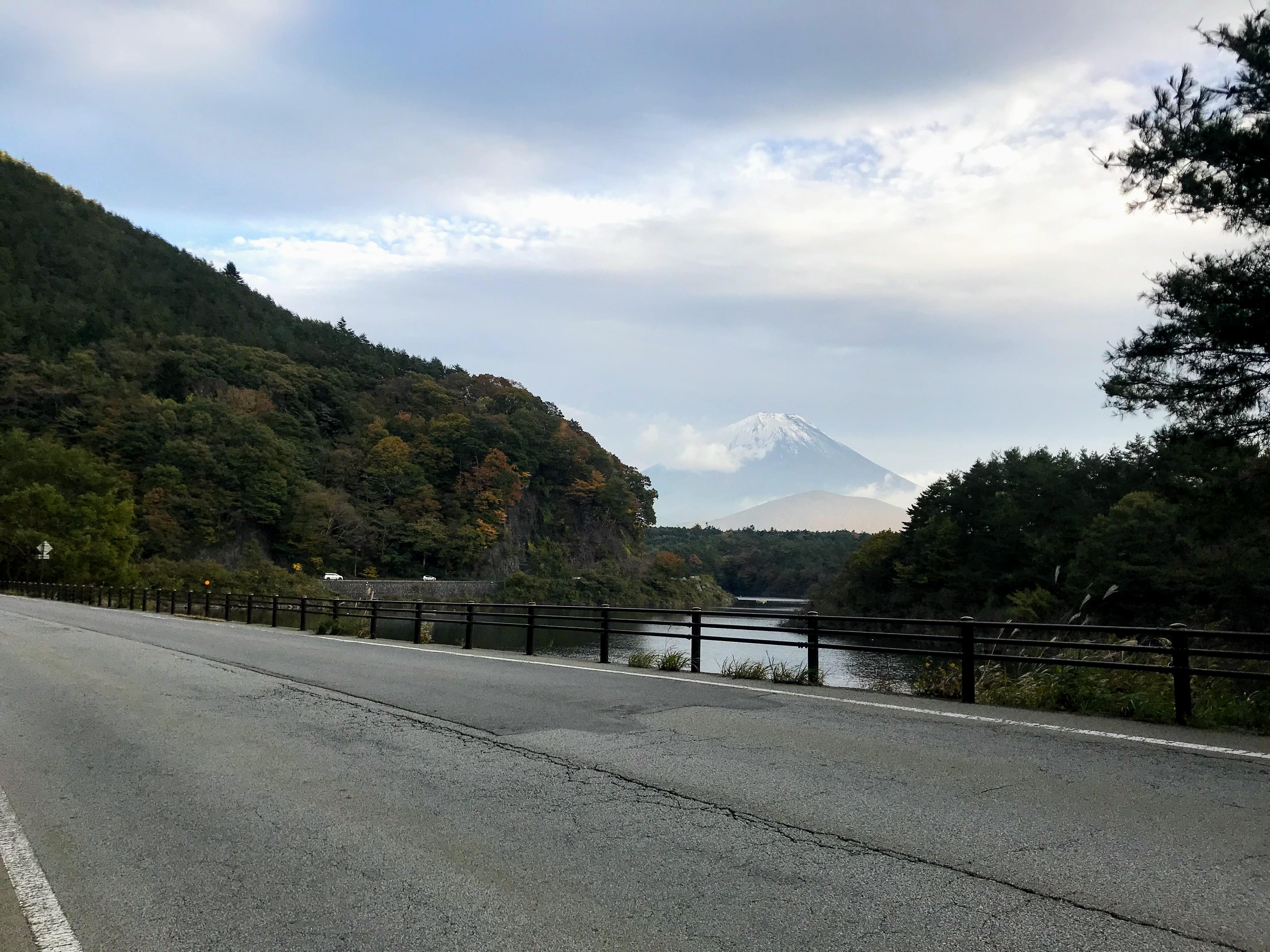 ロードバイクで富士山を見に行ってきた
